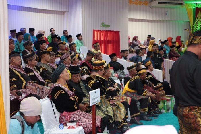 Para Datuk Ninik mamak menghadiri rapat paripurna HUT Kampar 68 di Gedung DPRD Kampar