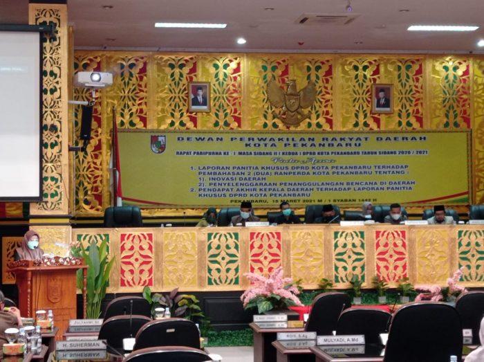Suasana Saat Sidang Paripurna Pengesahan perda Inovasi Yang dipimpin oleh Wakil Ketua DPRD kota Pekanbaru